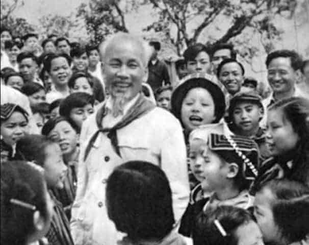 Ho Chi Minh Kimdir